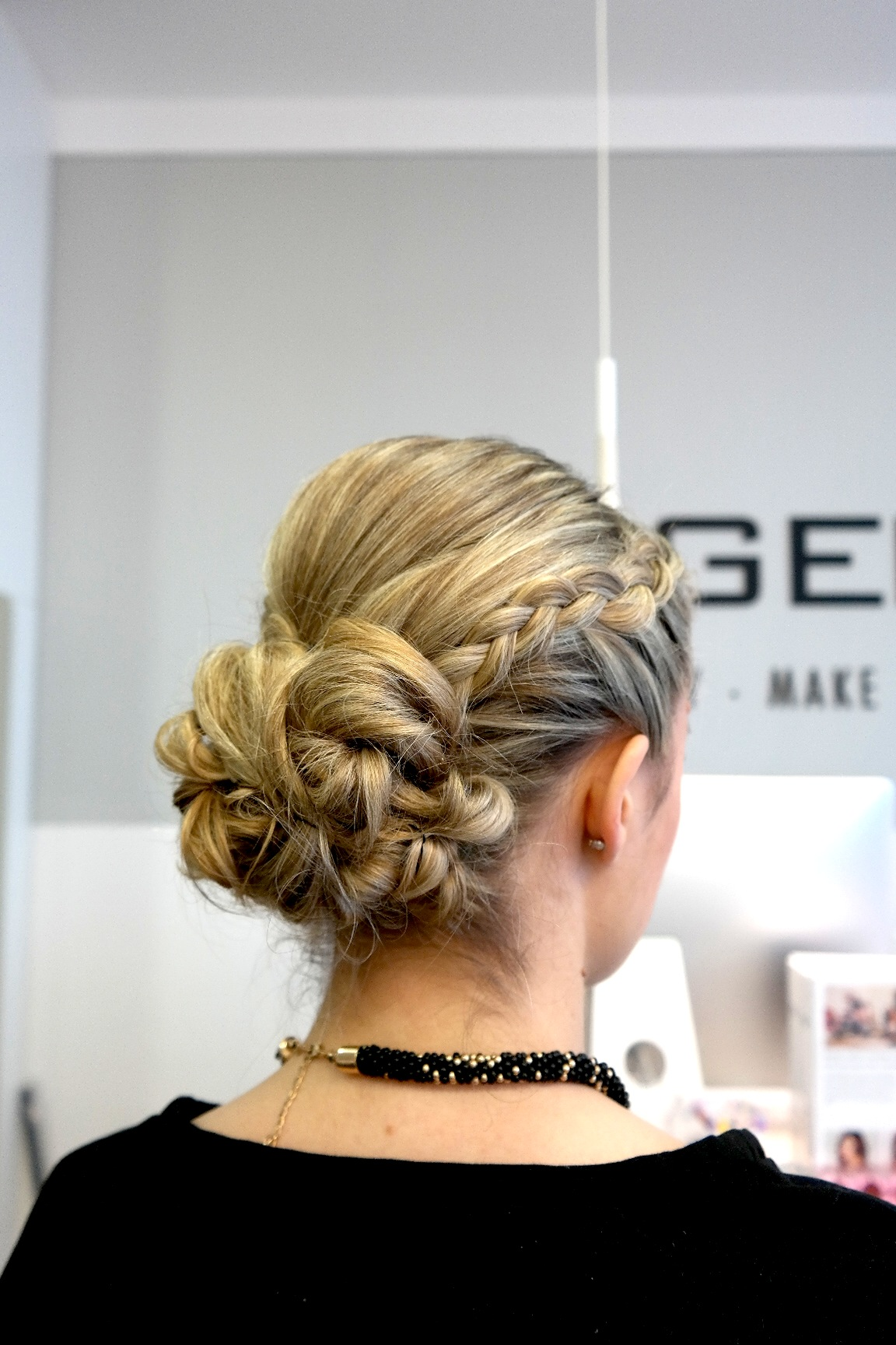 Hair And Beauty Hagemann Missbonnebonne Silvesterfrisur Geflochten